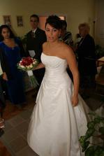Nevěsta se ukázala okolí :-)