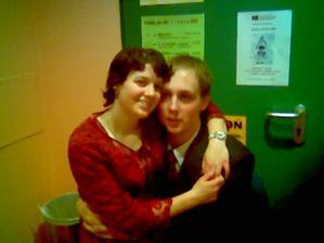 To jsme my dva na plese.