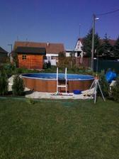 a už dokončený bazénik