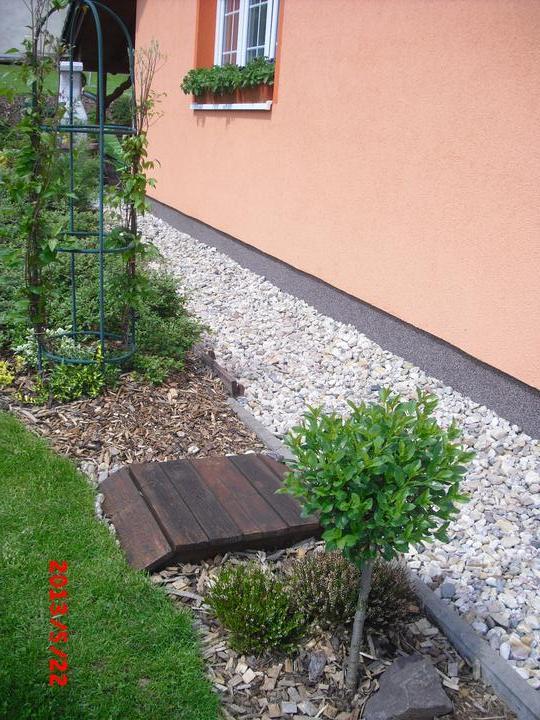 Zahrada a okolí - a tady druhý.....