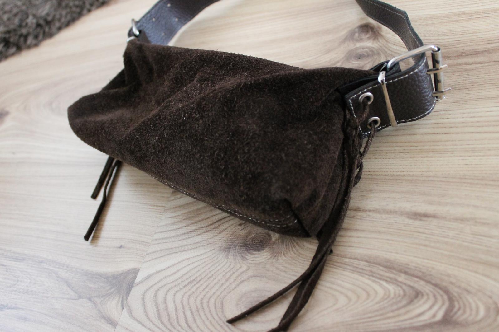 Spolocenska kabelka z brúsenej kože - Obrázok č. 2