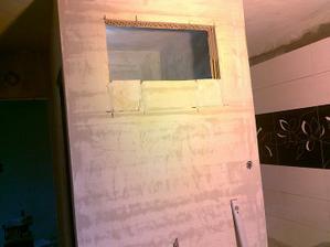 Tahle stěna bude celá hnědomozaiková