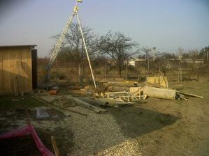 Jar 2011 - vŕtanie studne