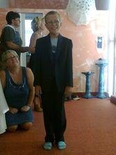 další svatebčan na oblečení :)