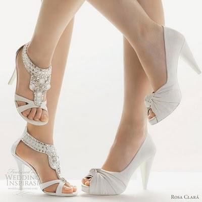 Lodičky, sandálky proste moja úchylka - stále sa neviem rozhodnúť či sandálky alebo lodičky.. ale asi lodičky vyhrávajú