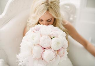 Keby som sa vydávala ešte raz - samozrejme za môjho manžela - tak chce takúto kyticu... milujem pivónie je to prekrásny kvet a na svadbu originál :)