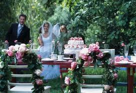 Pekná svadba na záhrade