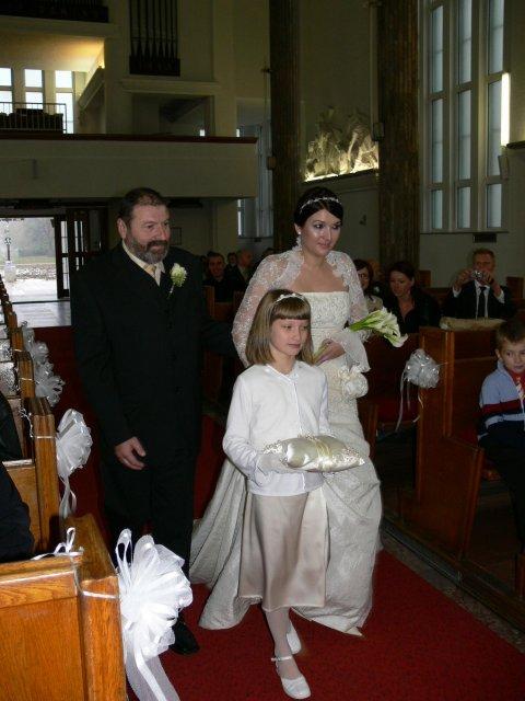 Simona{{_AND_}}Michal - ..ocko ma vedie k oltaru..