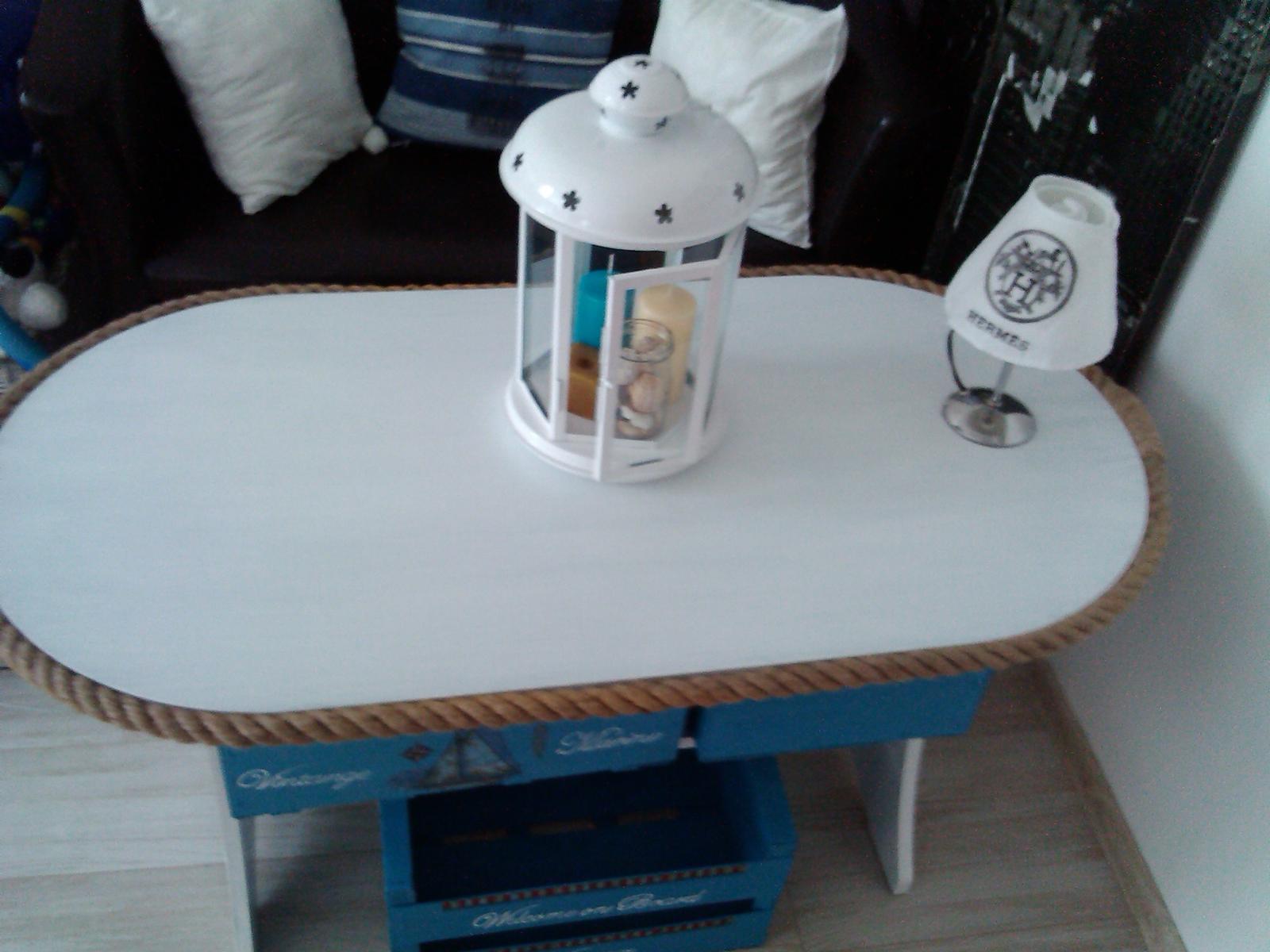 biely stolík  - Obrázok č. 1