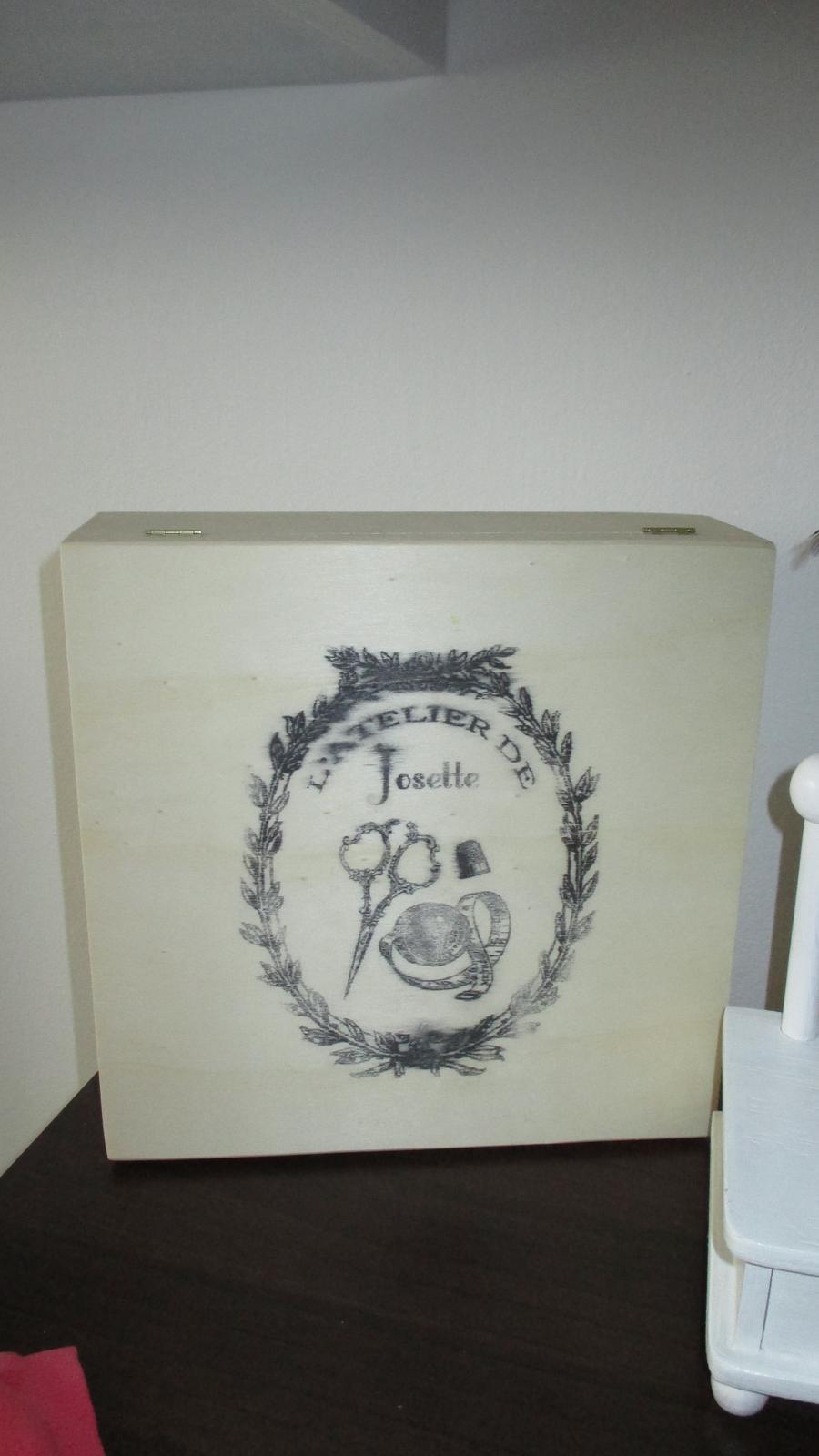 drevená skrinka na šiťie  - Obrázok č. 1