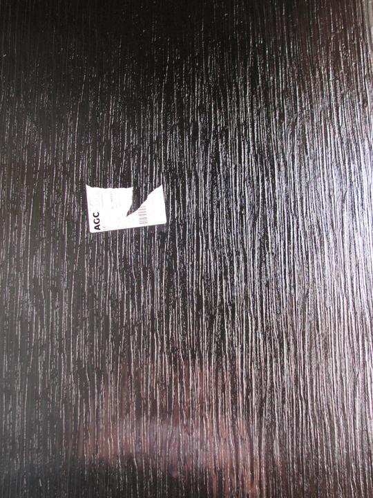 Upravený Bungalow 69 - 10.06.2010. Okno v kúpeľni. Klasika dubová kôra.
