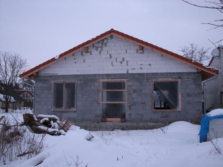 Upravený Bungalow 69 - 13.02.2010 - Zatiaľ stojí a vyzerá to tak, že prežije zimu. :-D