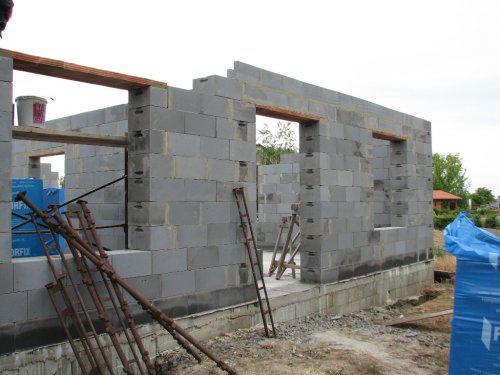 Upravený Bungalow 69 - 04.06.2009 - hlavný vchod