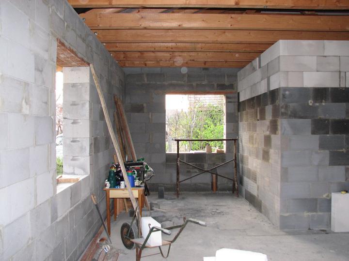 Upravený Bungalow 69 - 11.04.2010 - Kuchyňa (pohľad z obývačky)