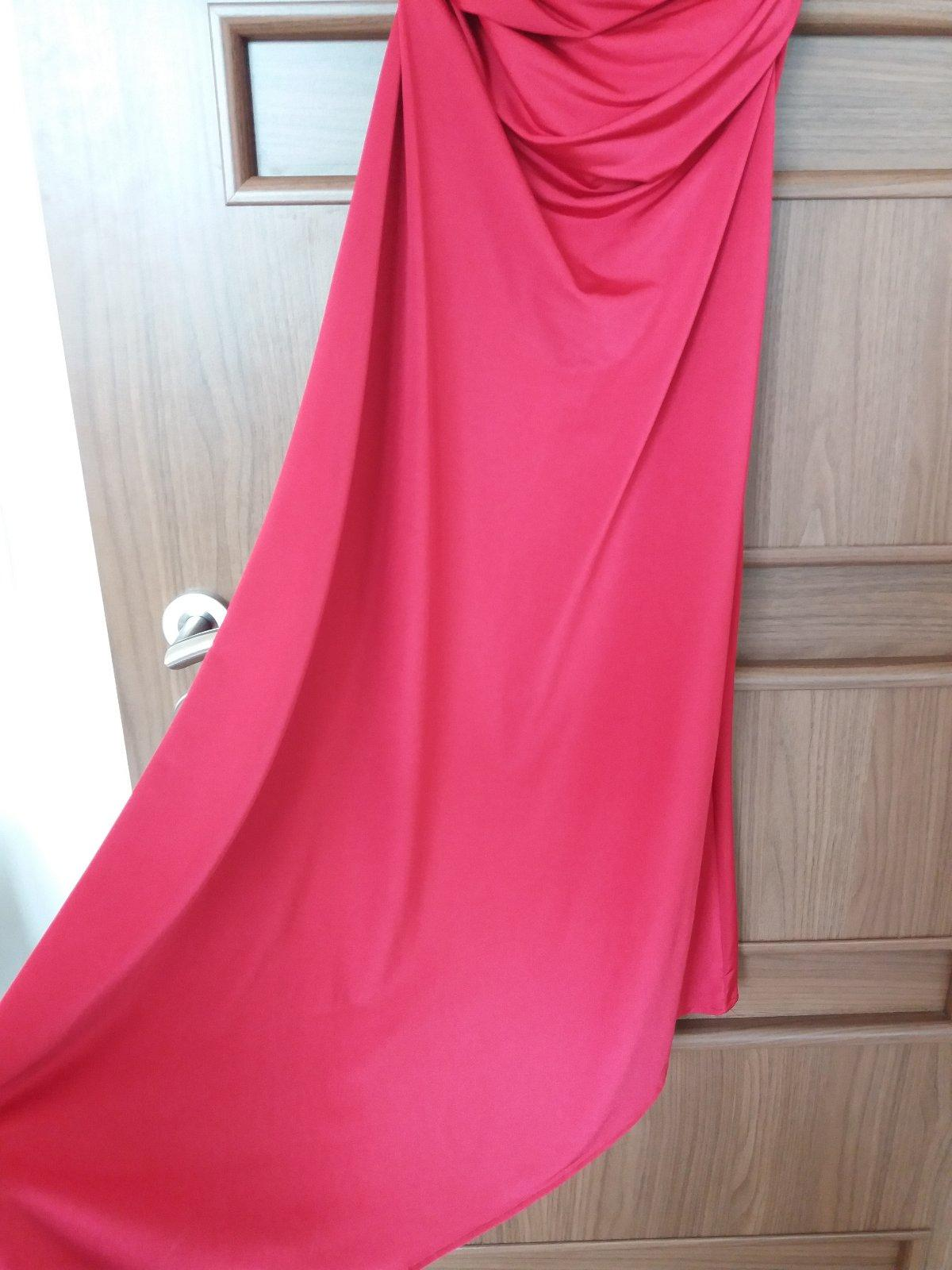 Priliehavé šaty - Obrázok č. 2