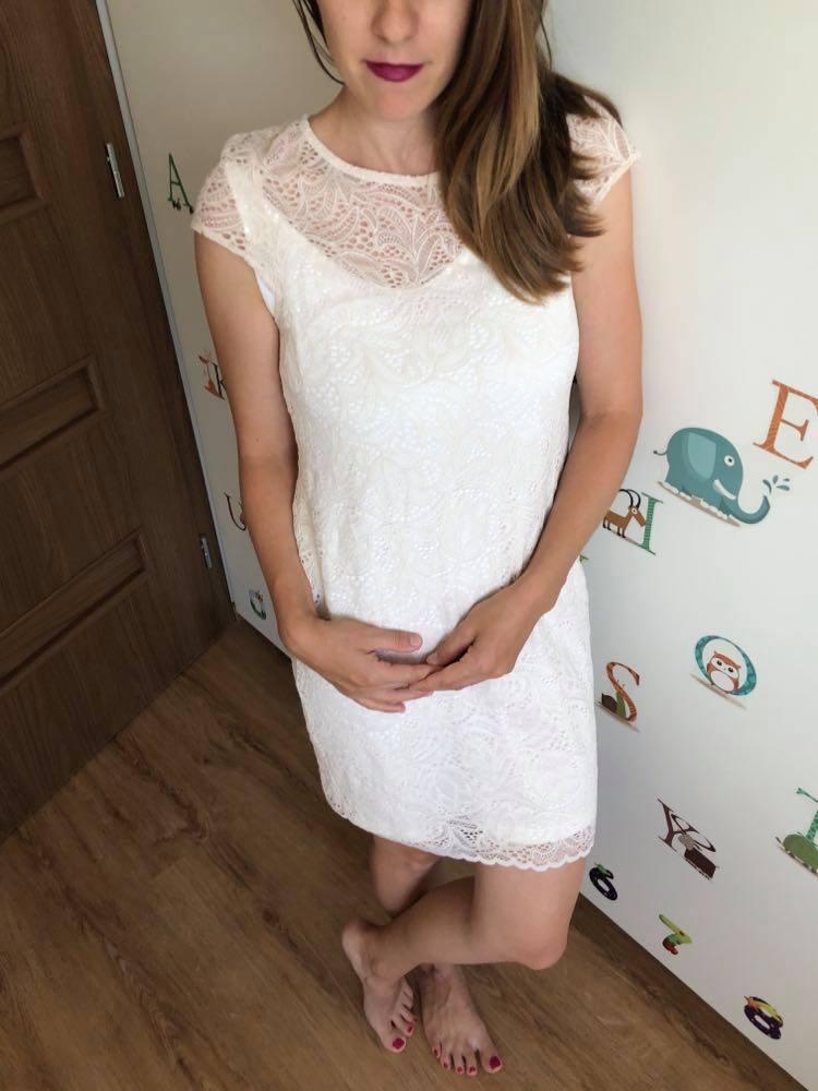 Krémové čipkované šaty - Obrázok č. 1