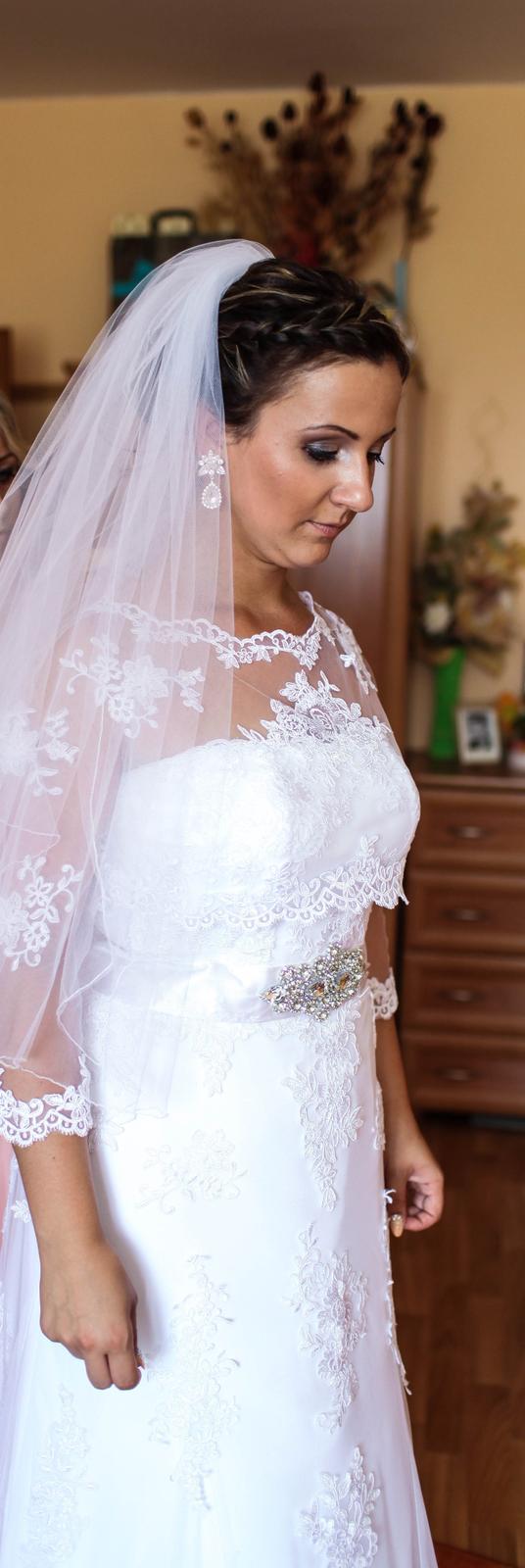 Krajkove svadobné šaty - Obrázok č. 3
