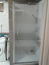nahodil som sprchové dvere, konečne môžme naplno využívať aj sprchový kút