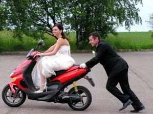 řízení musela převzít nevěsta (zatím 1,5 slivovice :o)