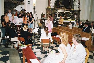 1. svatební dar od mé sestřičky-svědkyně-složila pro nás nádhernou písničku-celý kostel brečel dojetím a já nejvíc