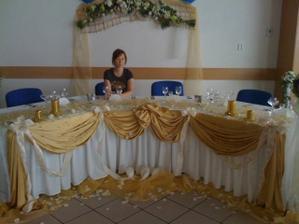 ..takáto výzdoba bola deň pred svadbou..+ moja maličosť..:)