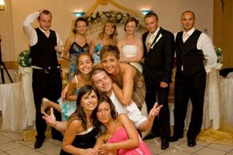 ..takáto zábava bola na svadbe...:))