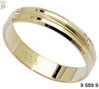 Prsteny jenom jsou v bílém zlatě
