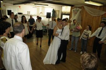 Novomanželský tanec asi první