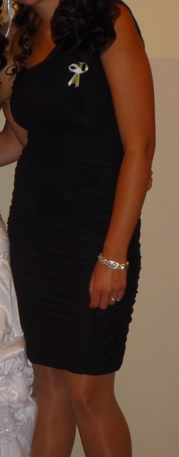 čierne jednoduché šaty - Obrázok č. 2