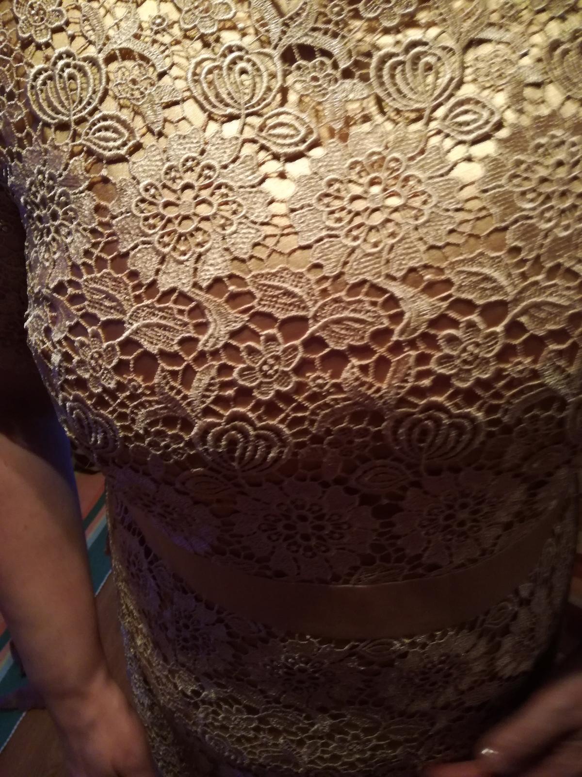 Zlaté šaty - Obrázok č. 1