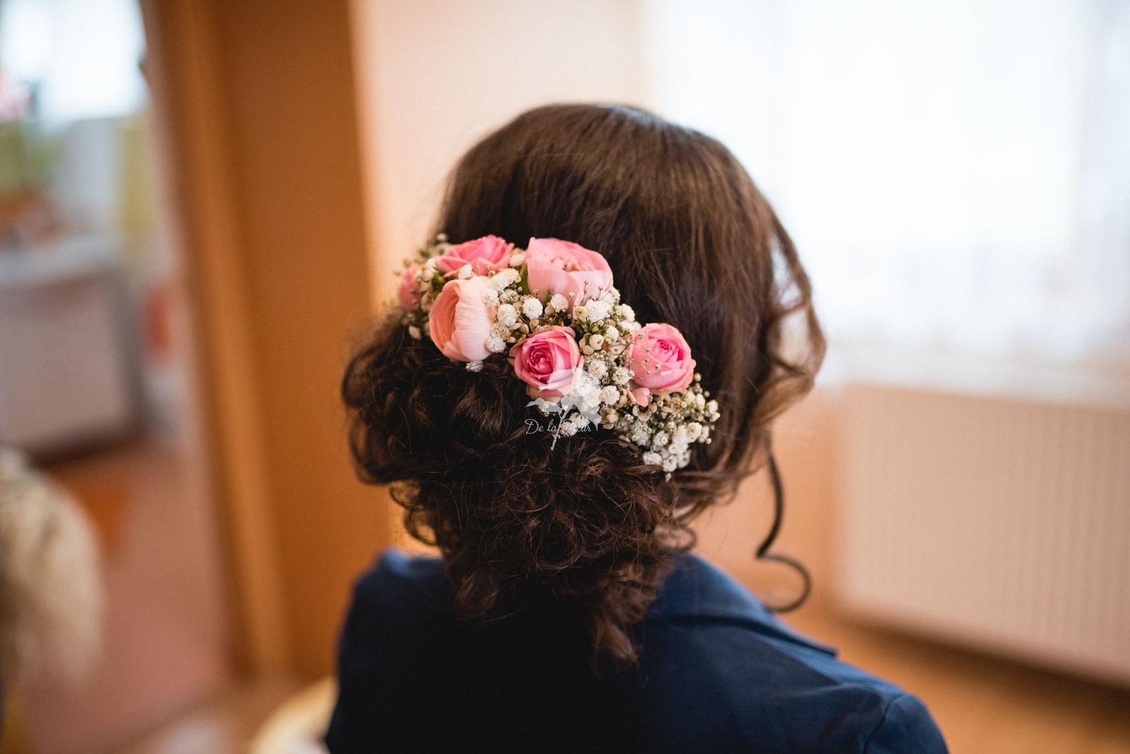 Květiny do vlasů... - Obrázek č. 1