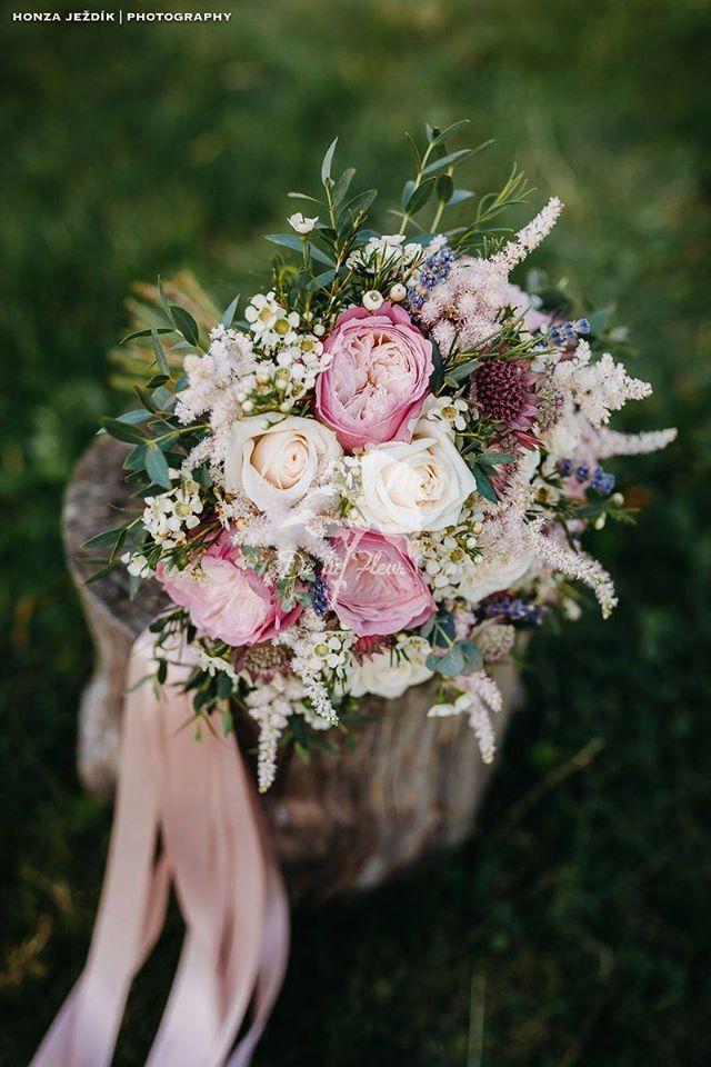 Starorůžová svatební krása - Obrázek č. 1