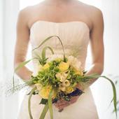 Sněhově bílé šaty pro drobné nevěsty, 36