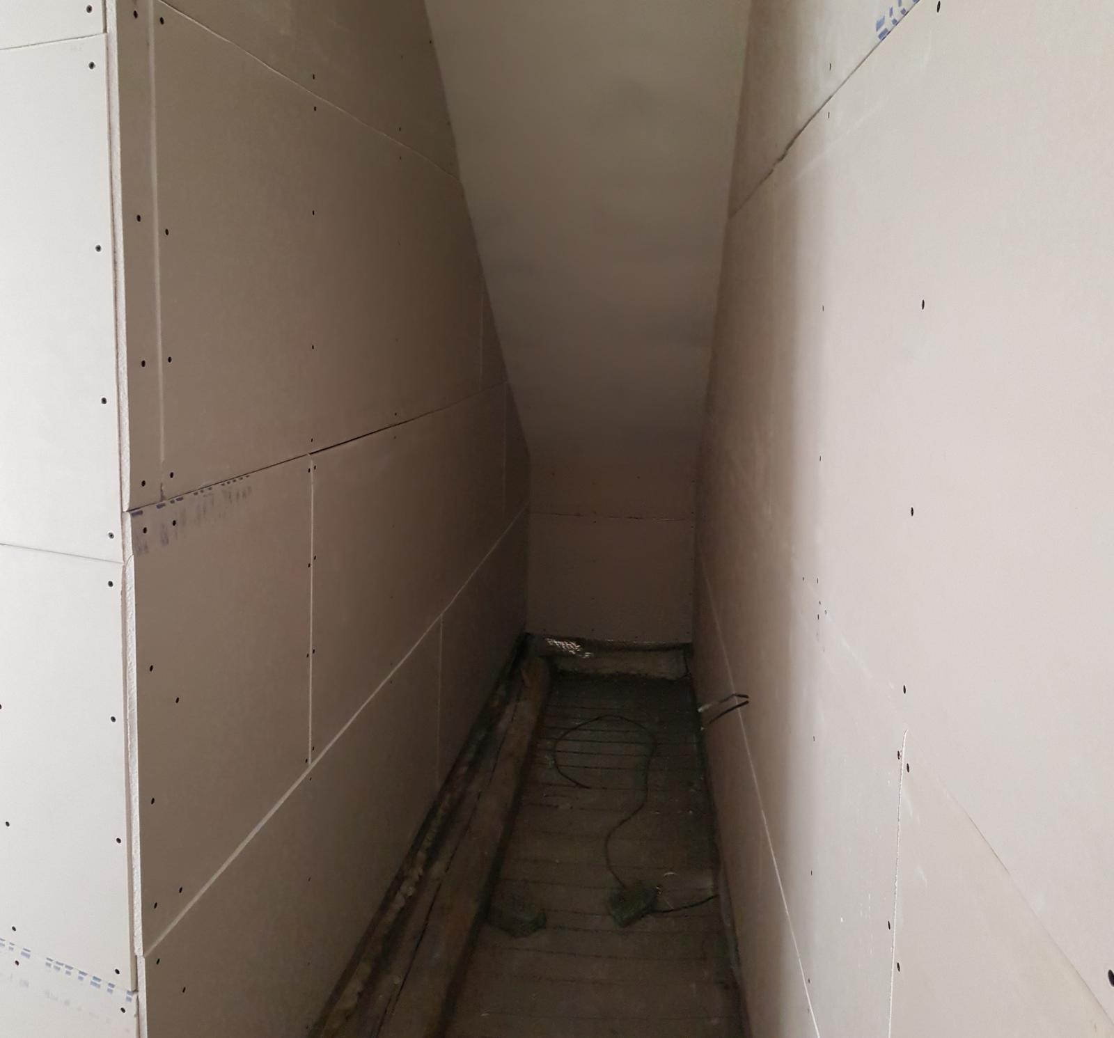 Podkroví - Nachystán na schodiště
