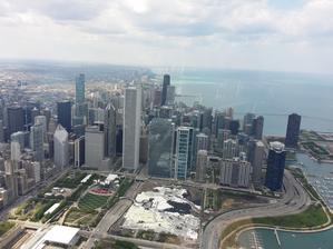 Fotím přes sklo z mrakodrapu Hangcoc