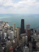Říká se jim chicagská škola mrakodrapů,ten černý je asi ředitel.