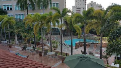 Areál hotelu Hyat v San Juan je přímo u moře.V době našeho pobytu bylo ale tak rozbouřené,že jsme měli strach se přiblížit.