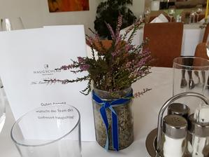 Výzdoba na stůl hostů 3 druhy.