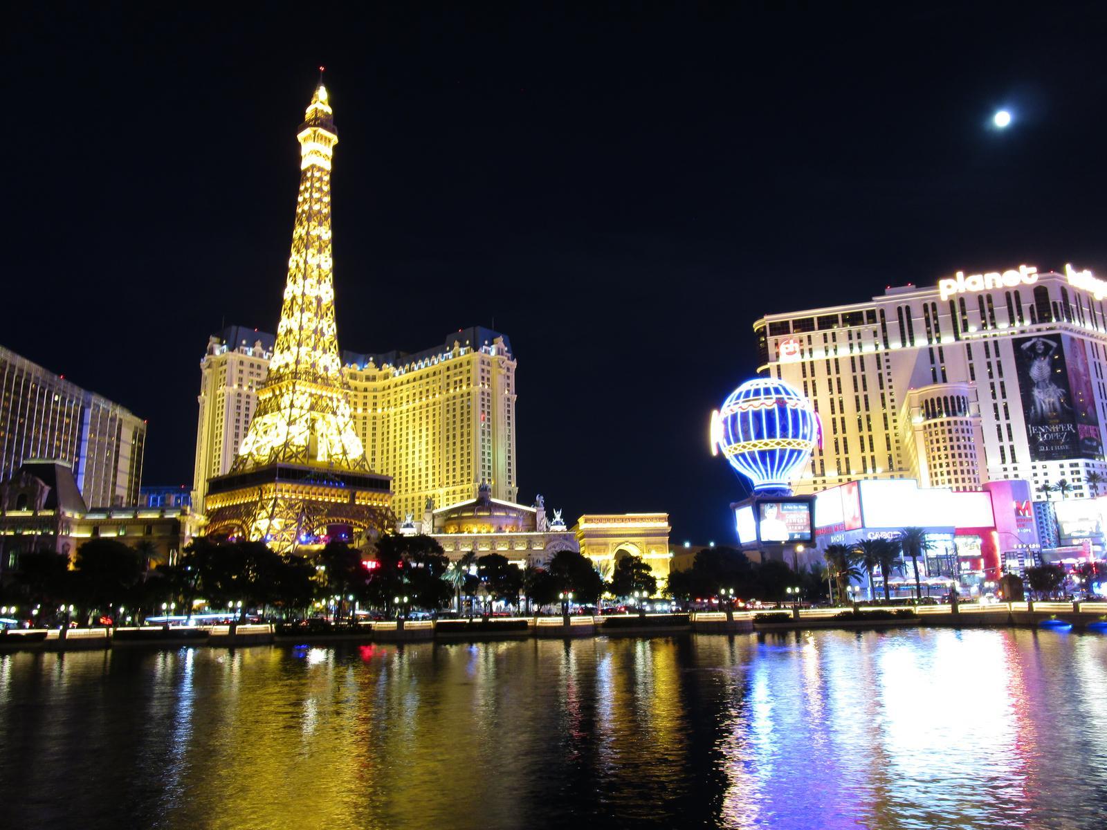 Nočný Vegas 😍 - Obrázok č. 1