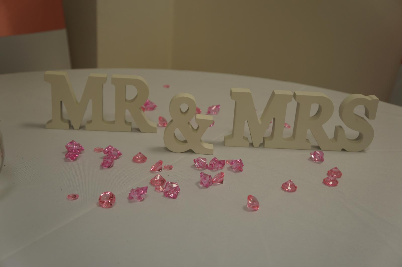 Prenájom nápisu Mr&Mrs - Obrázok č. 1