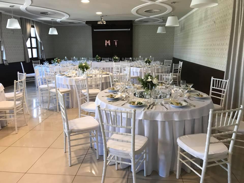 Chiavari stoličky biele - prenájom - Obrázok č. 1