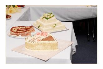 naše dorty - dva z nich byly svatební dar :-)