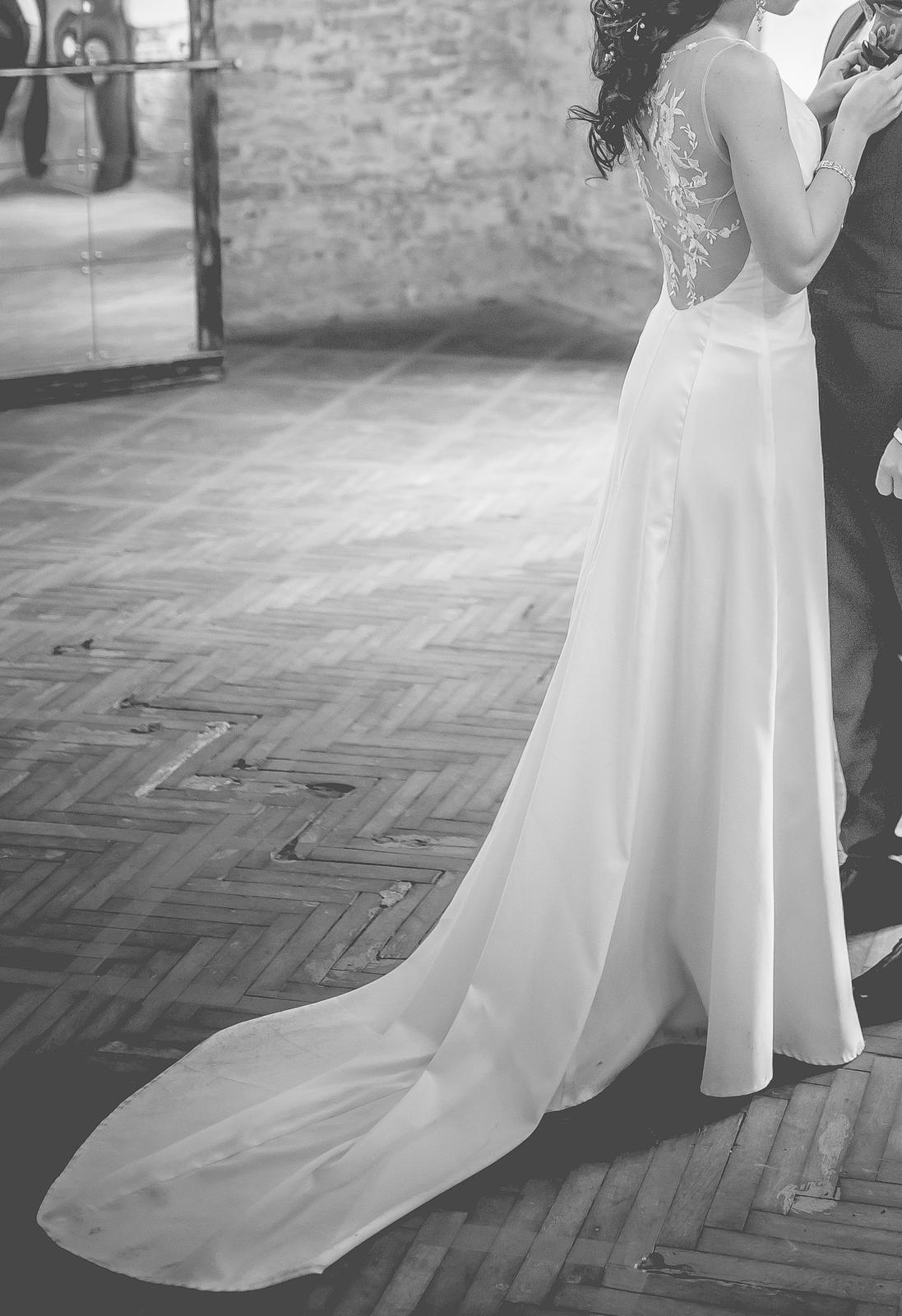 Svadobné šaty, jednoduché - Obrázok č. 1