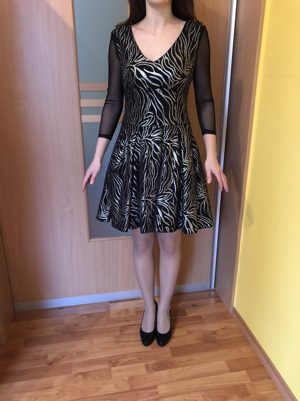 Čiernozlaté šaty - Obrázok č. 1