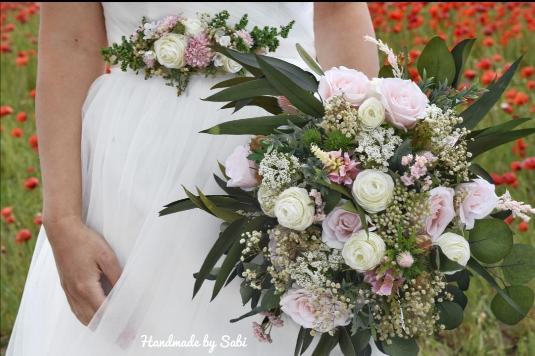 Umela svadobna kytica - Obrázok č. 1