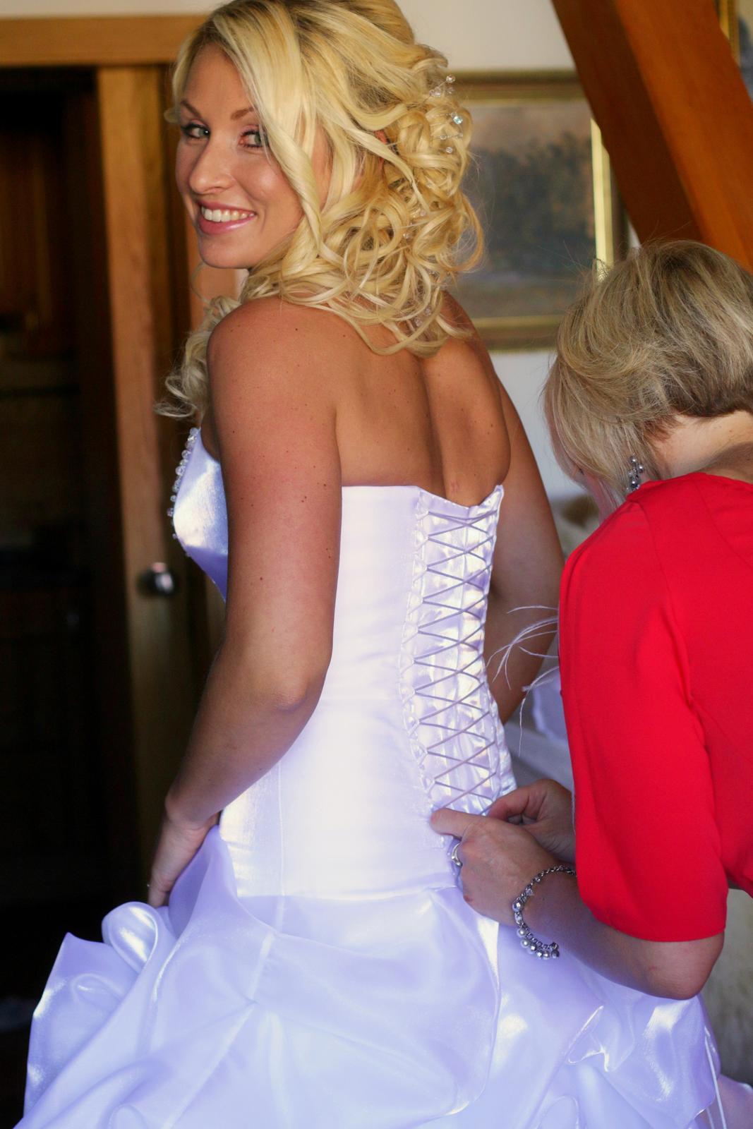 Originální princeznovské šaty - Obrázek č. 2