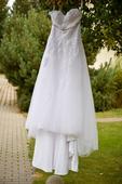 Svatební šaty na 175cm, přes prsa 114cm, pas 96cm, 46