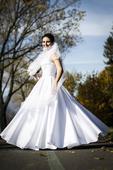 Svadobné šaty pre vysokú nevestu, 44