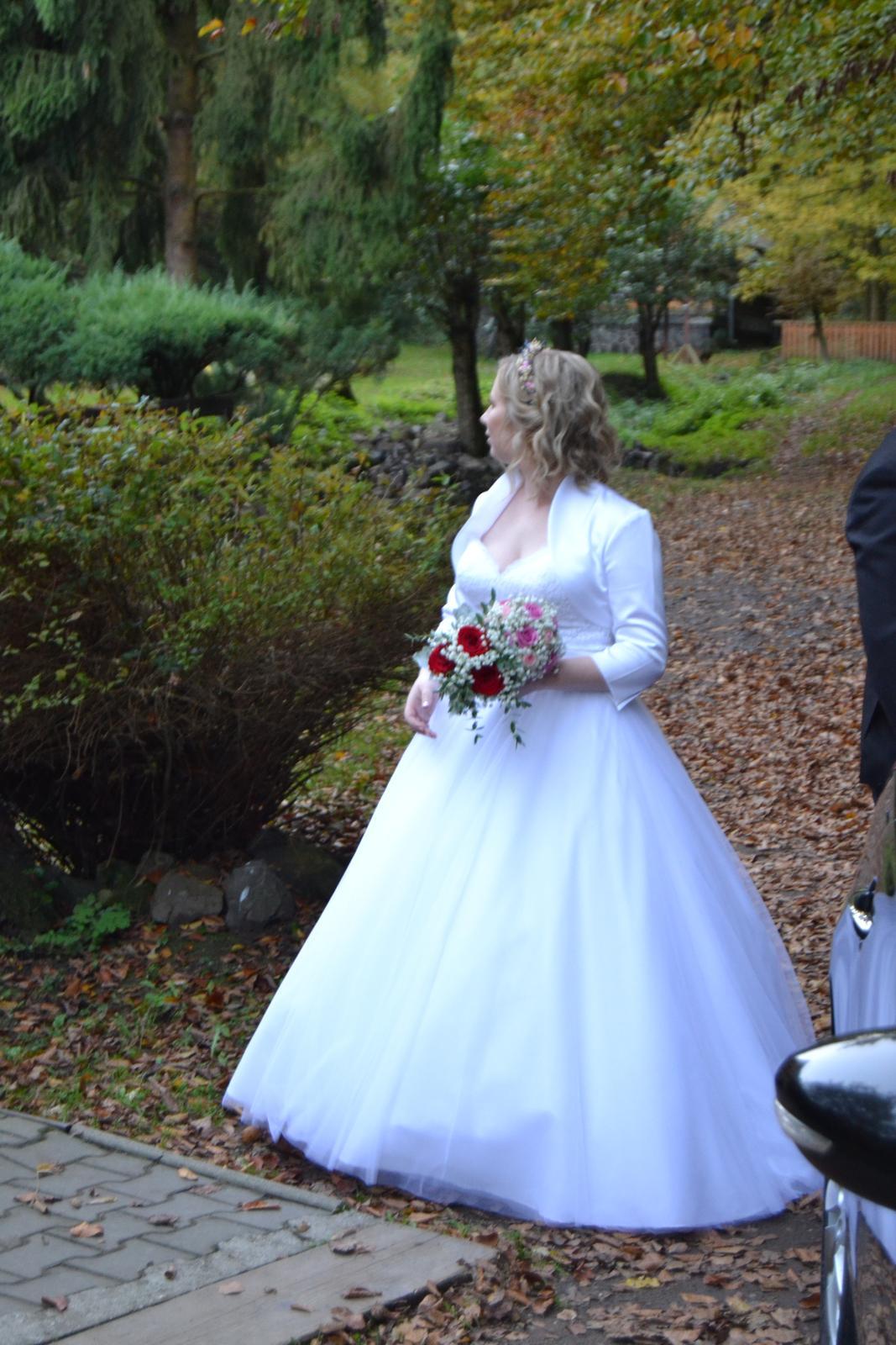 Korzetové svadobné šaty - Obrázok č. 2