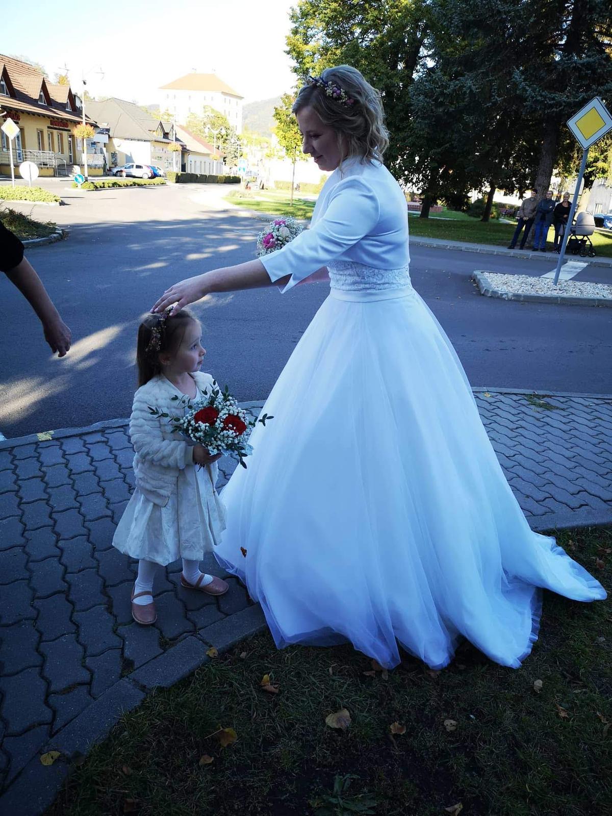 Korzetové svadobné šaty - Obrázok č. 1